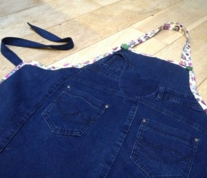 denim apron sewing upcycle